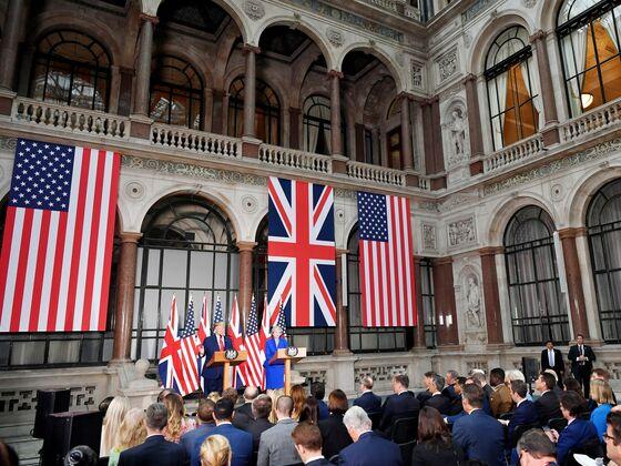 Trump Vows Huge U.K. Trade Deal, Then Retreats on Health Service