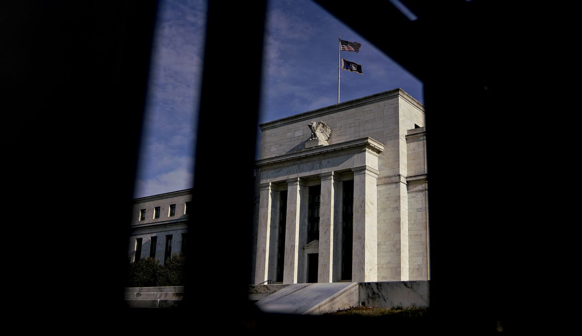 Fed Officials Saw Policy Appropriate 'For a Time' Amid Risks