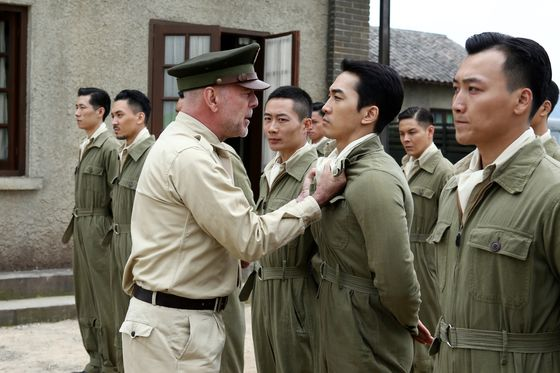 Scandal-Plagued Bruce Willis Film Shot in China to Open in U.S.