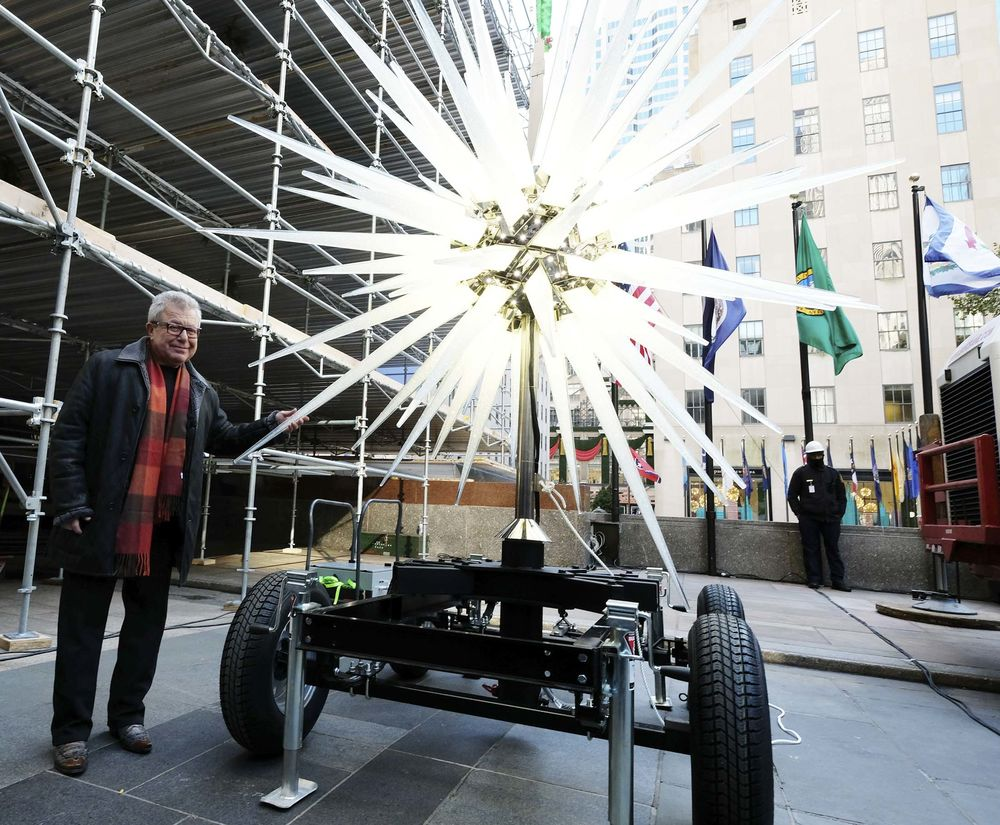 Rockefeller Center\'s Christmas Tree Gets a Star With Three Million ...