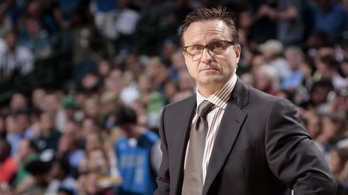 Coach Scott Brooks
