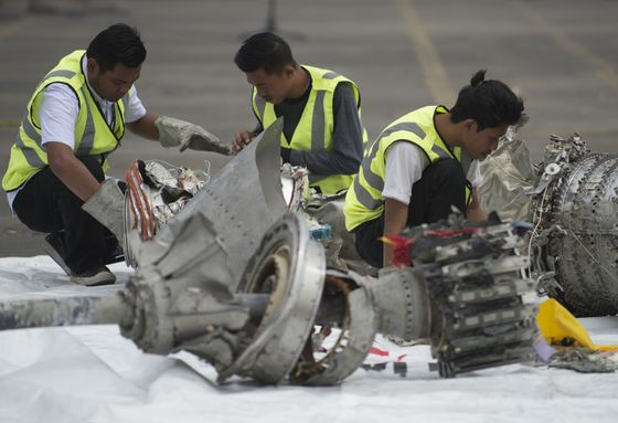 Hunt For Crashed Jet's Cockpit Recorder Stymied by Lack of Tools