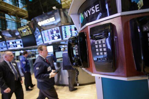 S&P 500 Posts Best Start Since 1997 as Stocks Beat Bonds
