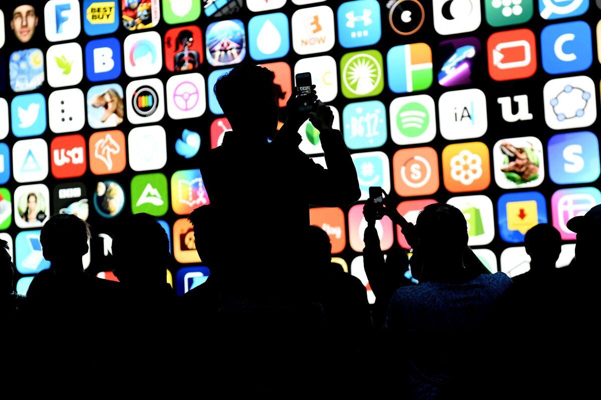 Techmeme: Apple's former head of App Store approvals