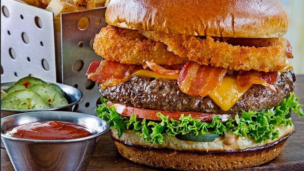 Burger Selfies: Chili's Tweaks Food to Look Better on Instagram