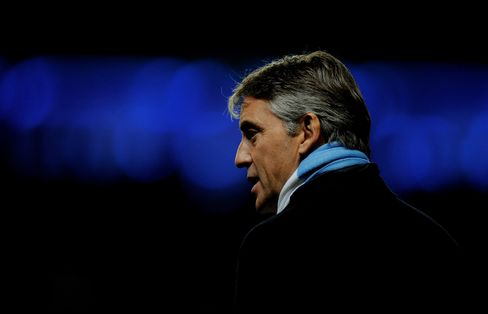 Mancini Says Manchester City Must Keep Working