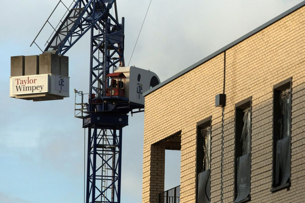 U.K. Construction Confidence Drops to Lowest in Six Years