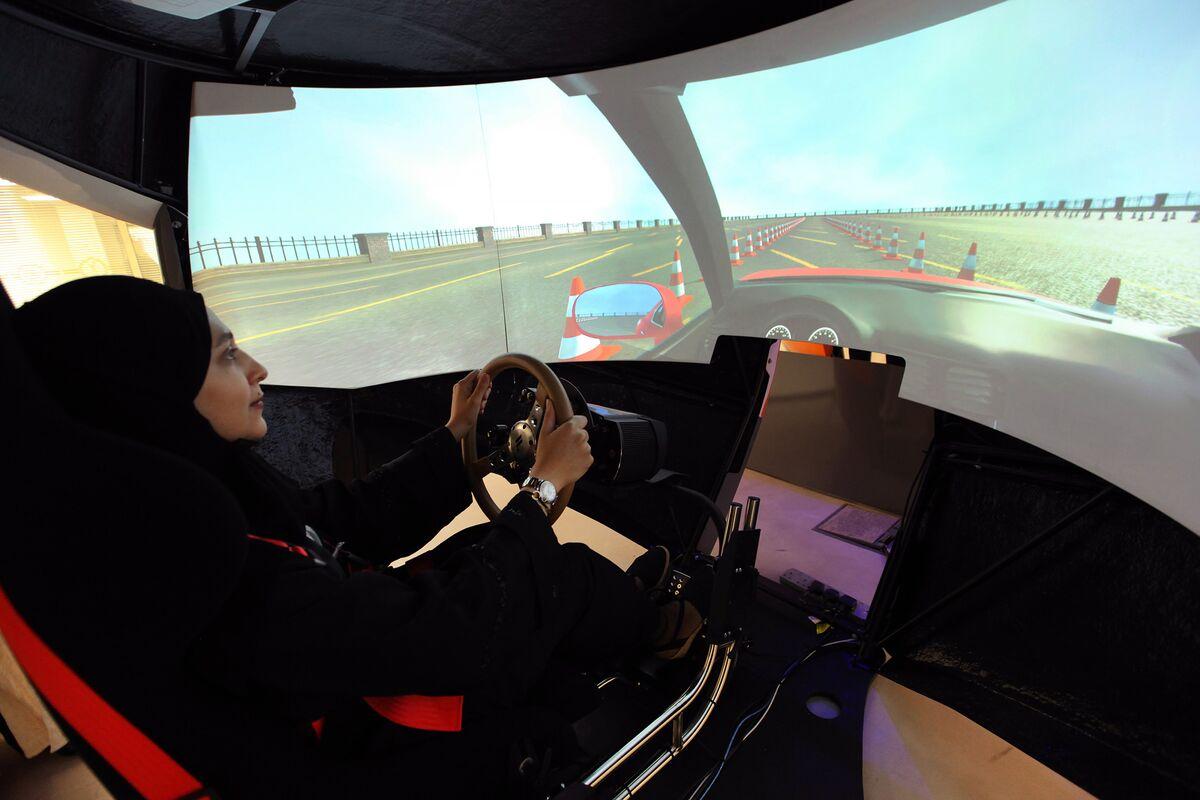 Saudi Aramco Drivers Training School for Thousands of Women