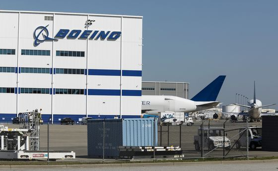 Boeing Snubs Seattle to Consolidate 787 Output in South Carolina