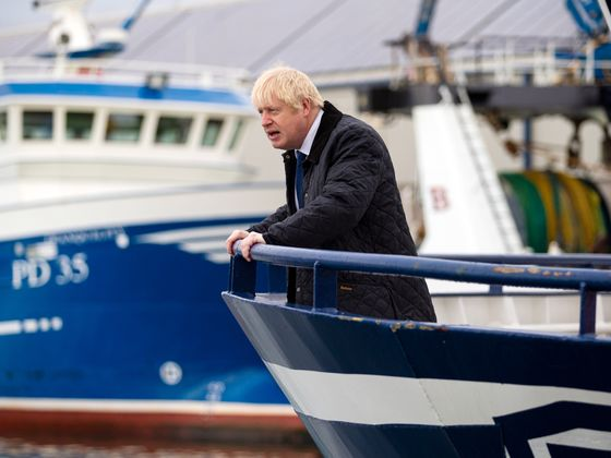 Defiant Johnson Pushes On With Brexit Plan as Court Threat Looms