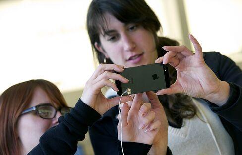 Apple Begins IPhone Trade-In Program for Money Toward New Models