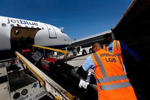JetBlue, the ???Nicer??? Airline, Needs You to Get Ready for a New Bag Fee