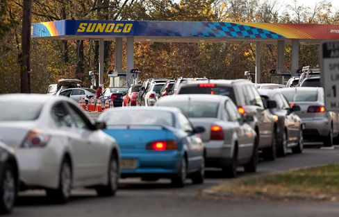 New Jersey Drivers Wait in Line for Fuel as Sandy Curbs Gasoline