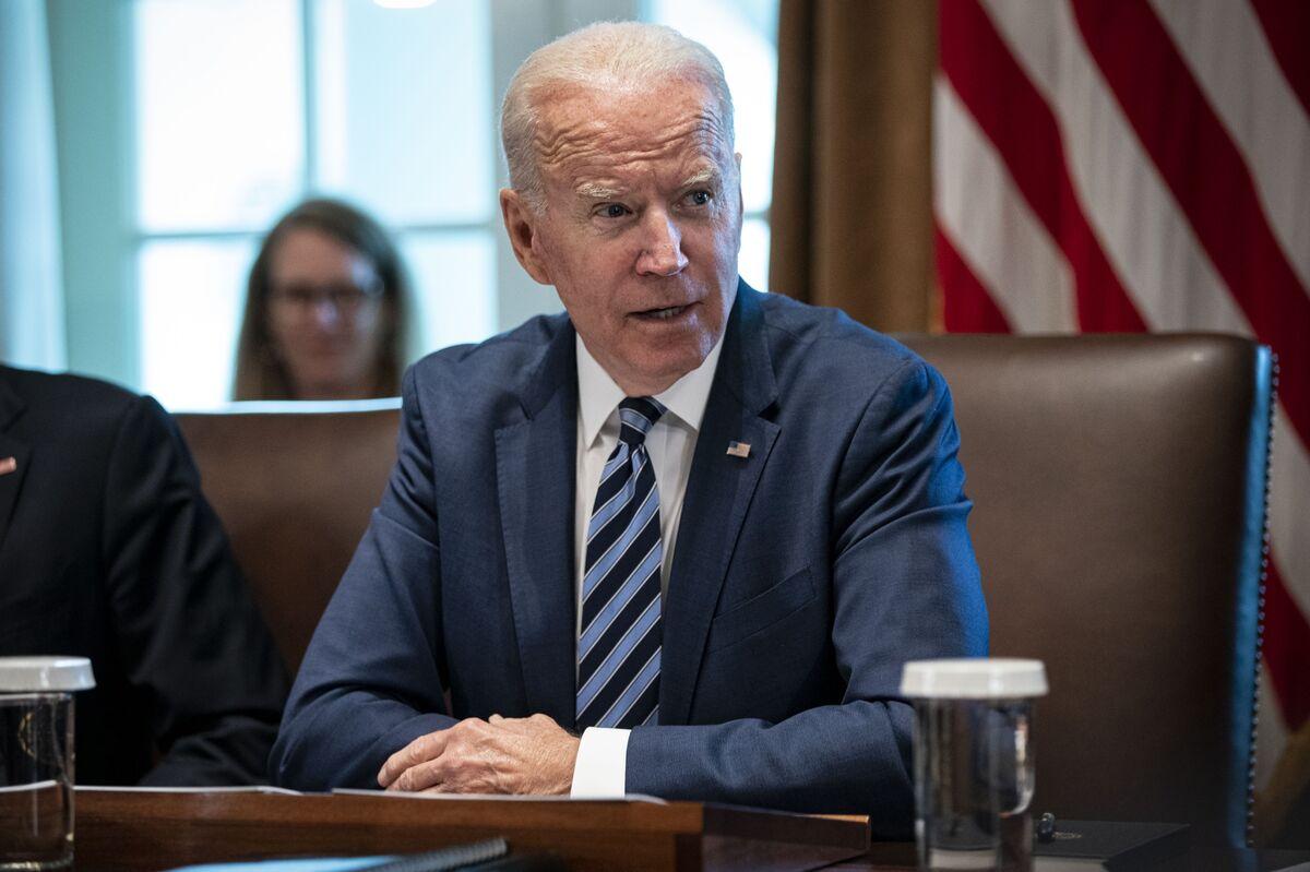 Biden to Host Business, Labor Chiefs Amid Infrastructure Drama