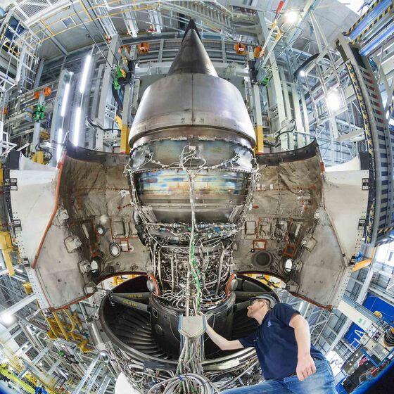 Rolls-Royce, Shell Deepen Sustainable Jet-Fuel Partnership