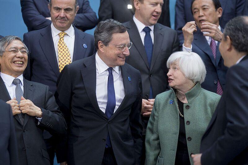 """Ποιος θα διαδεχτεί τον Draghi; Οι επόμενες κινήσεις στο """"σκάκι"""" της ΕΚΤ"""