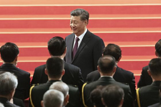 Millions of Newly Jobless in China Pose a Looming Threat to Xi