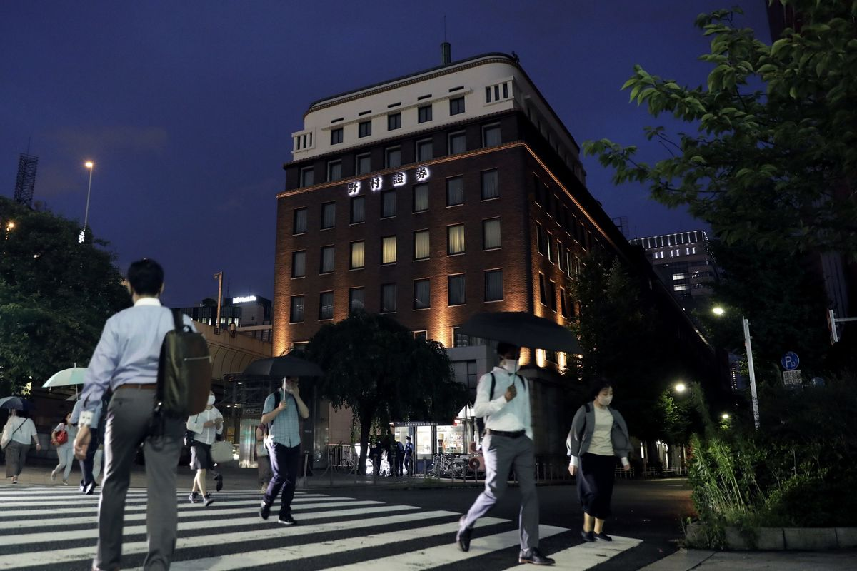 Japan Inc. Sticks With Bonus Commitments Despite Pandemic