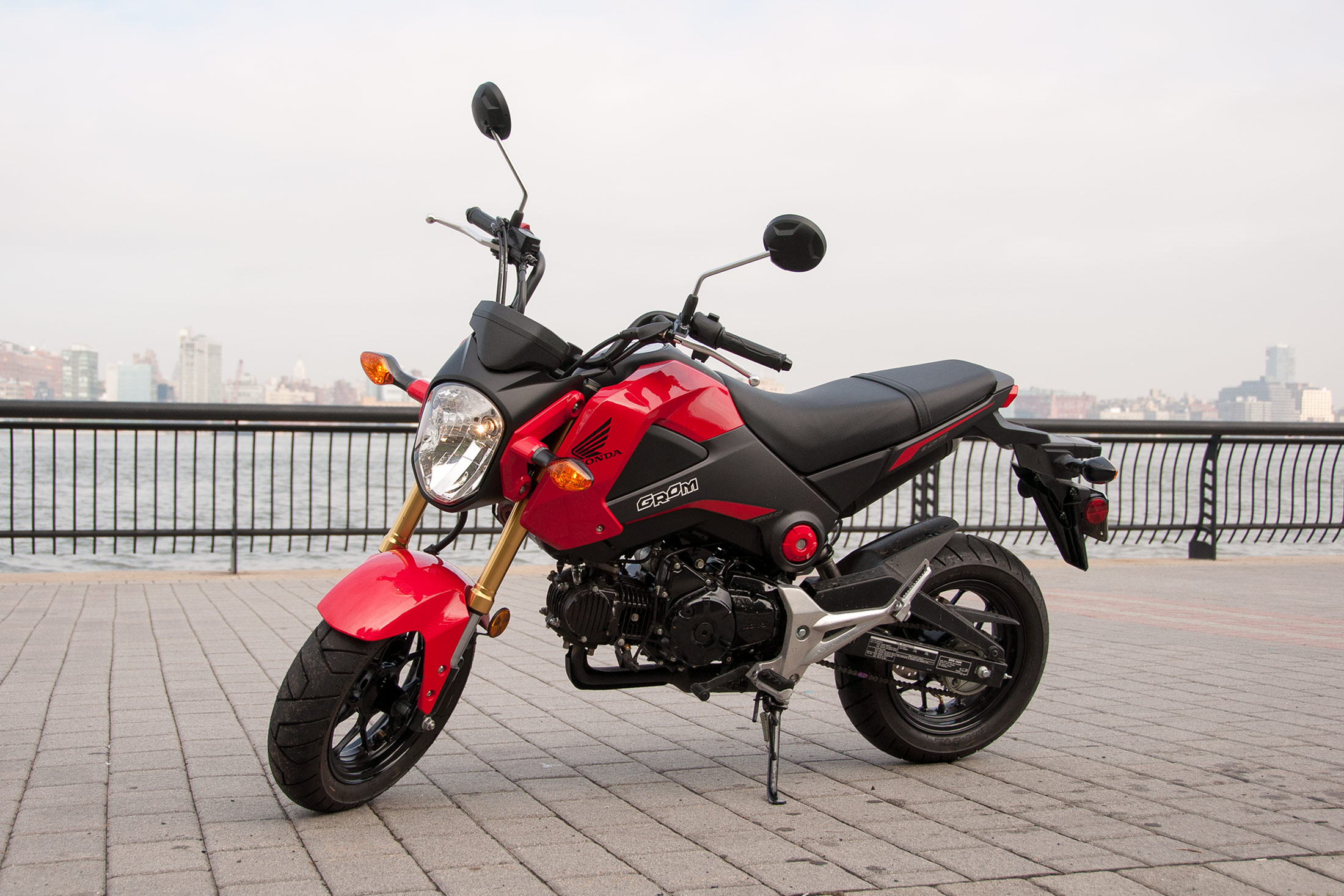 Honda Grom Review >> Honda Grom Review: Big Thrills, Tiny Motorcycle - Bloomberg