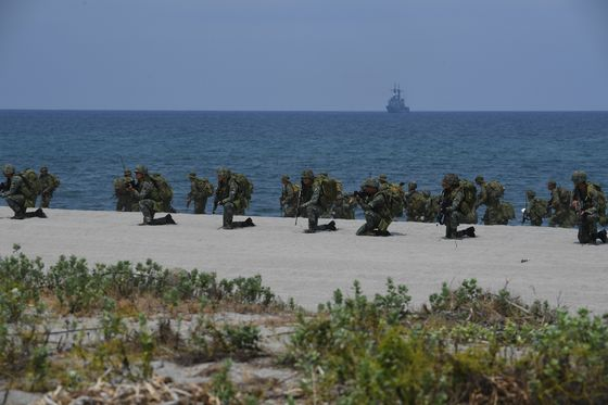 U.S., Philippines BoostMilitary Pact With More Drills Planned