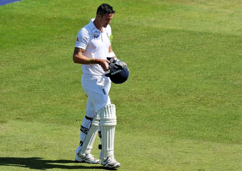 Pietersen Quits One-Day Cricket for England, Will Focus on Tests