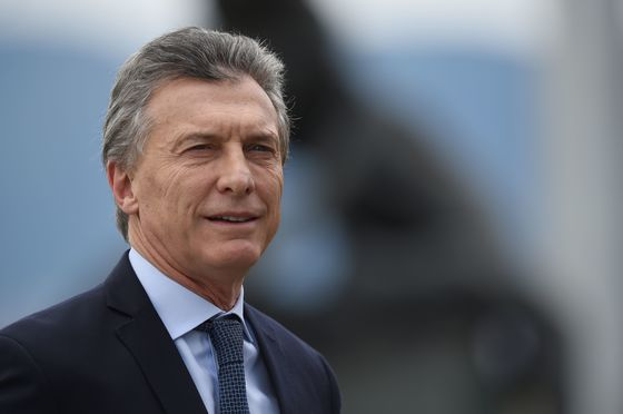 How Poor Communication Fed Argentine Peso's Collapse