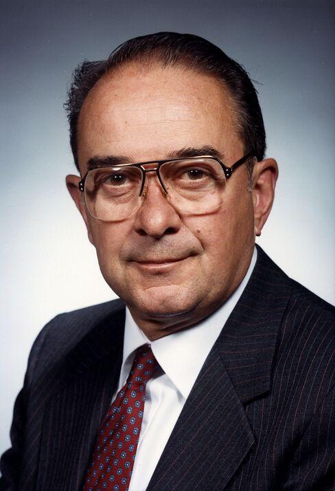 Caterpillar CEO George Schaefer