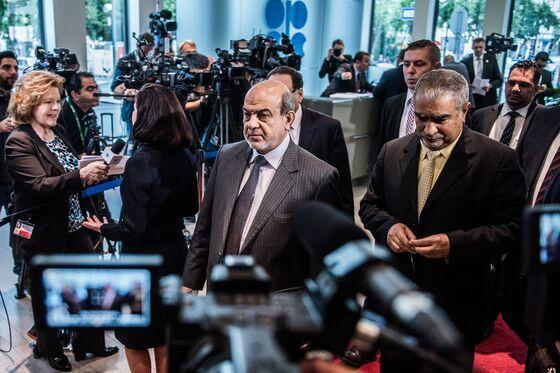 Iraqi Oil Surge Puts Hurdle on OPEC's Path to Production Cuts