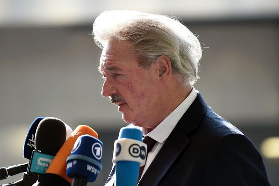 EU Concerned on U.K. Democracy After 'Strange' Parliament Move