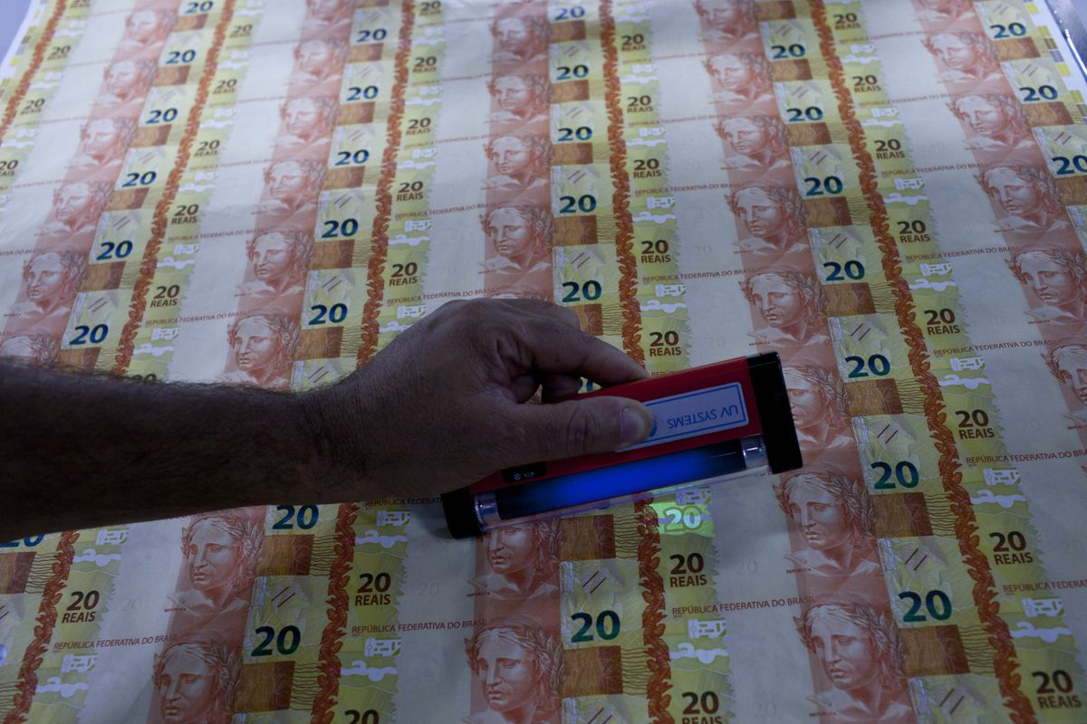 Brazil Real Jumps On Considerable Ammo Argentine Peso Sinks Bloomberg