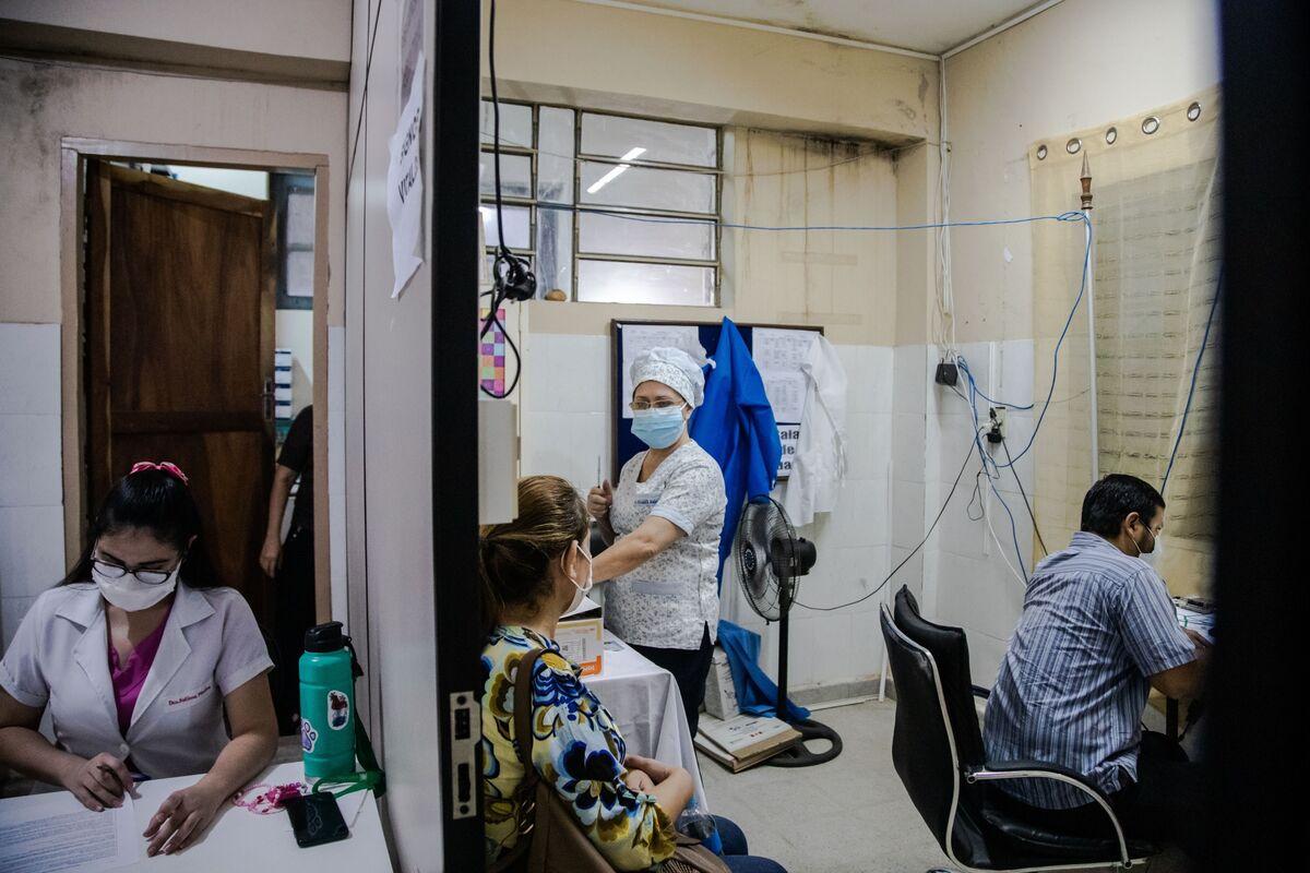 コロナワクチン接種実施国、数週間で100カ国超に-COVAX幹部