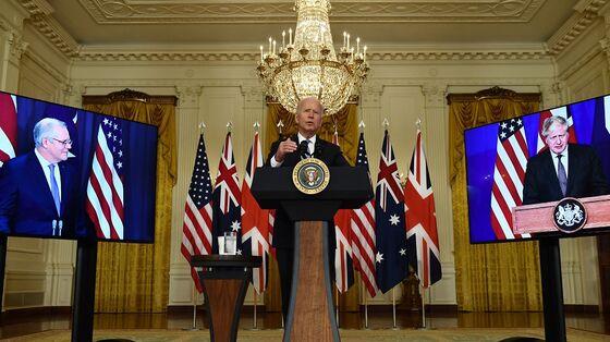 Australia Irks France With Sudden U.S.-U.K. Nuclear Sub Deal