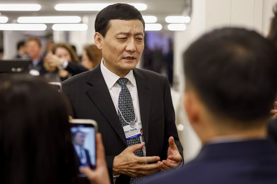 At Davos, CEOs Privately Vented OverChinese LeaderXi Jinping's Economic Policies