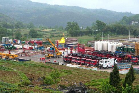 China's Huge Shale-Gas Hopes Crash Into Mountainous Reality