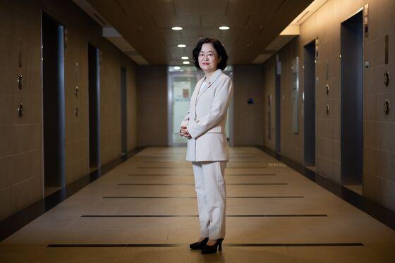 Top Antitrust Cop Steers Korea Away From Hard Tech Crackdown