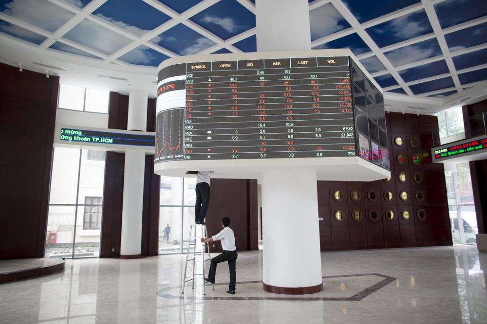 Sở giao dịch chứng khoán TP HCM - Ảnh: Bloomberg