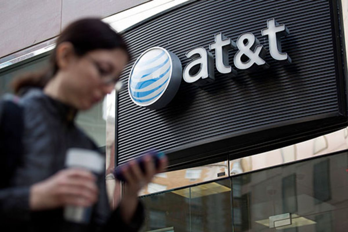AT&T May Face Bidding Rival in $1.6 Billion Straight Path Deal