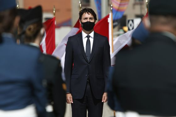 Trudeau Vows 'Whatever It Takes' to Get Canada Through Covid