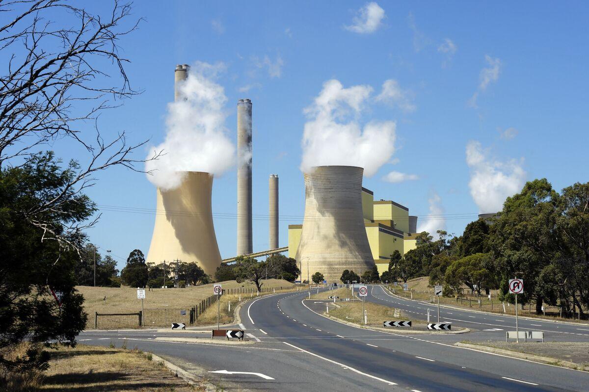 Labor Announces Plan to Curb Australian Emissions as Vote Looms