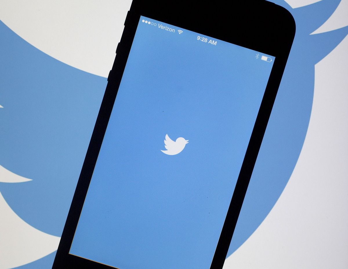 Techmeme: Twitter to require email or phone number