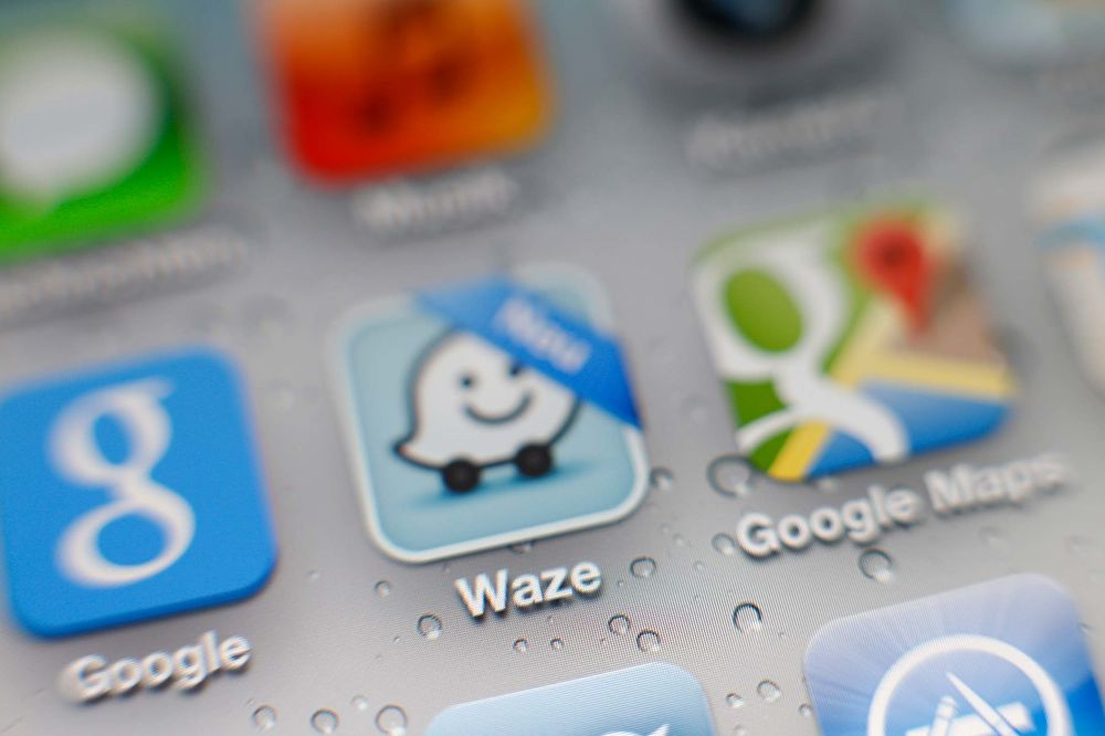 Google s Waze Is Doing More Than Just Traffic Maps Bloomberg