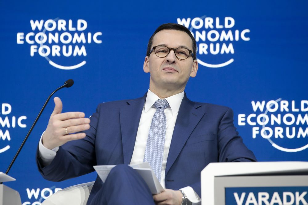 Polish Premier Defends Real-Estate Dealings Ahead of EU Ballot