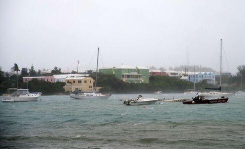Hurricane Nicole threatens Bermuda