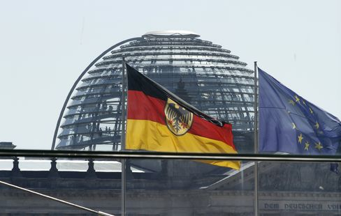 Germany to Cut 2013 Bond Sales Closer to Pre-Bank Crisis Levels