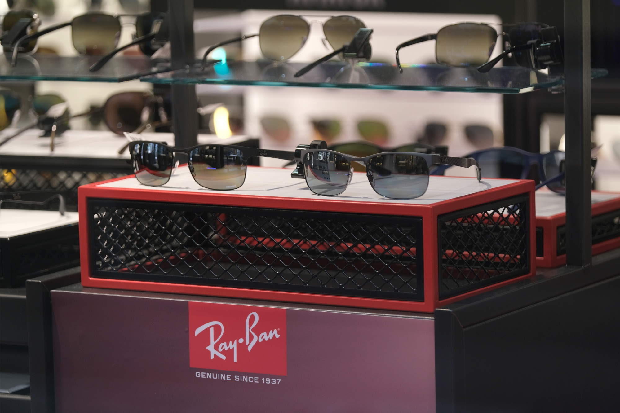 Ray-Ban Billionaire Starts a Staring Contest With GrandVision - Bloomberg