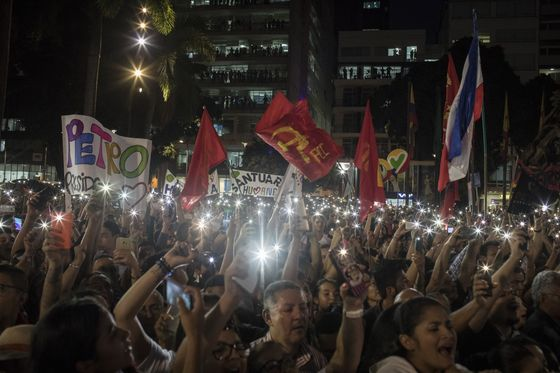 Ex-Guerrilla's Tax-the-Rich Cry Catches Fire in Colombian Vote