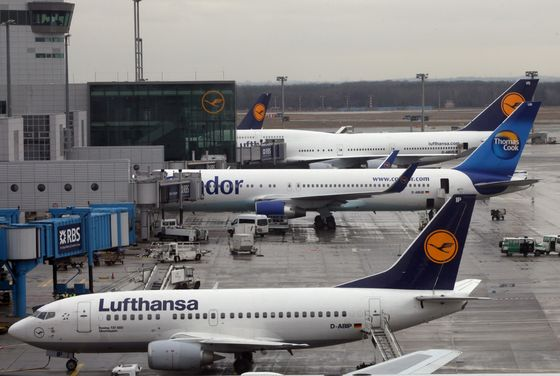 Lufthansa's Tourism Push Puts Government on Spot After Bailout