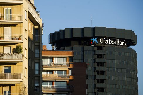 CaixaBank Weighs Sale of 10% of Slim's Mexican Lender Inbursa