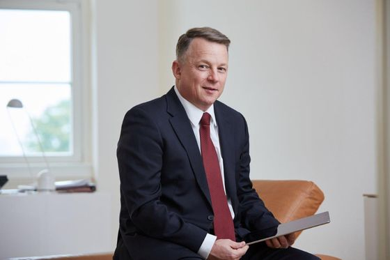 Ex-Frankfurt Bankers Build $1.7Billion Portfolio for 30 Clients