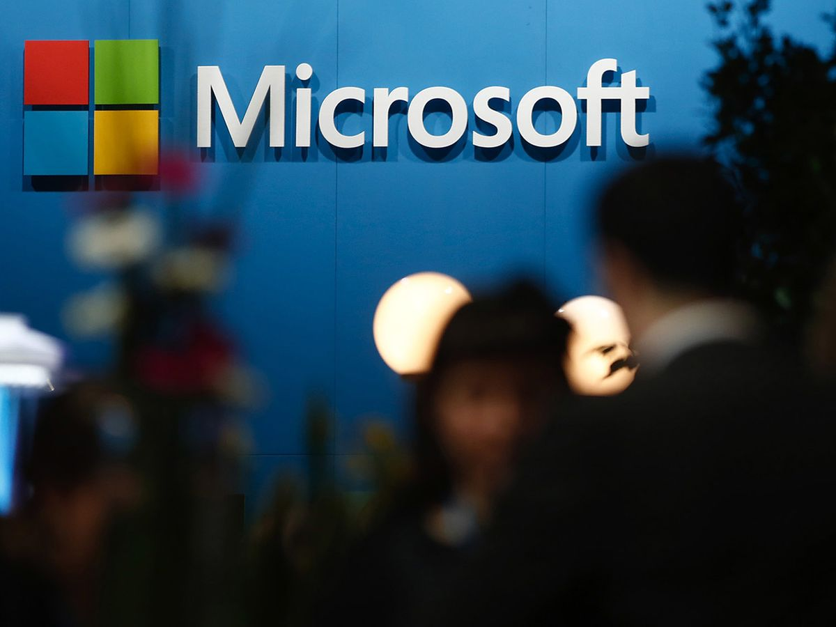 Microsoft Wins Lucrative Cloud Deal With Intelligence